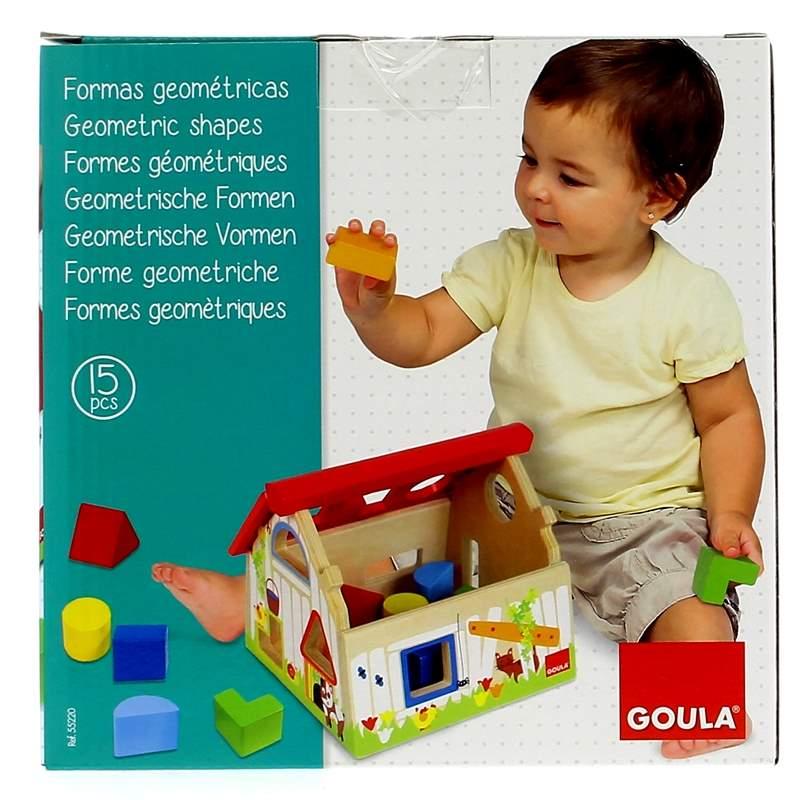 Granja-de-Madera-con-Formas-Geometricas_2
