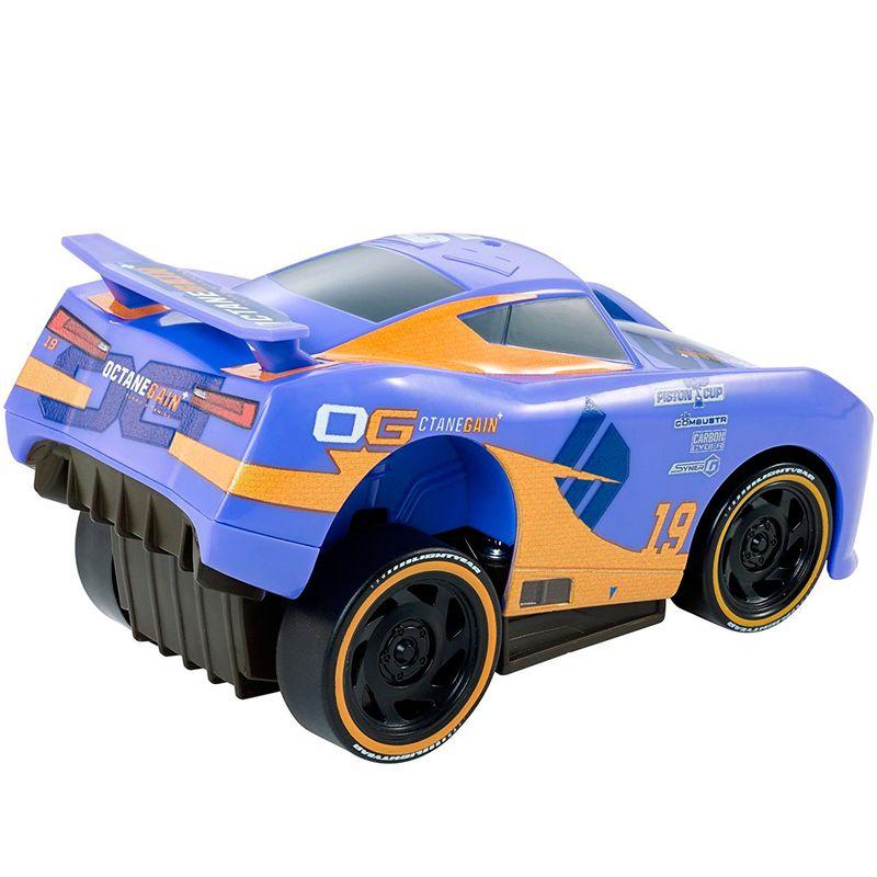 Cars-3-Coche-a-Todo-Gas-Danny-Swervez_1