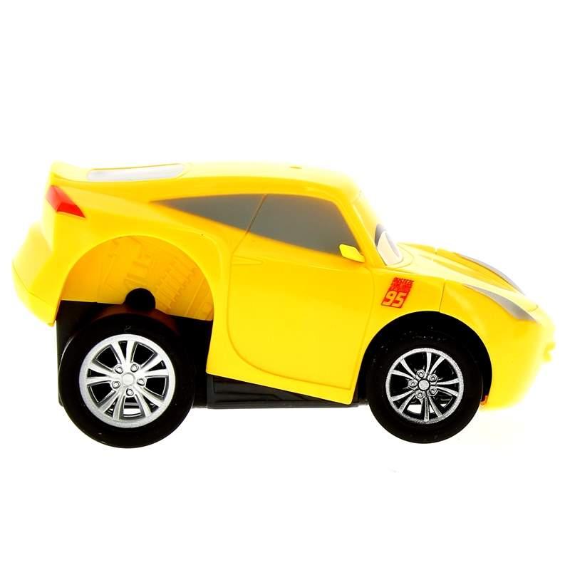 Cars-3-Coche-a-Todo-Gas-Cruz-Ramirez_1