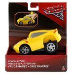 Cars-3-Coche-a-Todo-Gas-Cruz-Ramirez_2