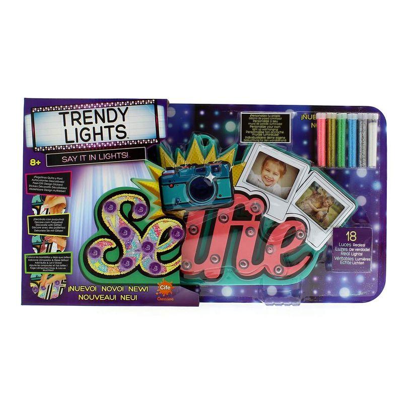 Trendy-Light-Room-Selfie
