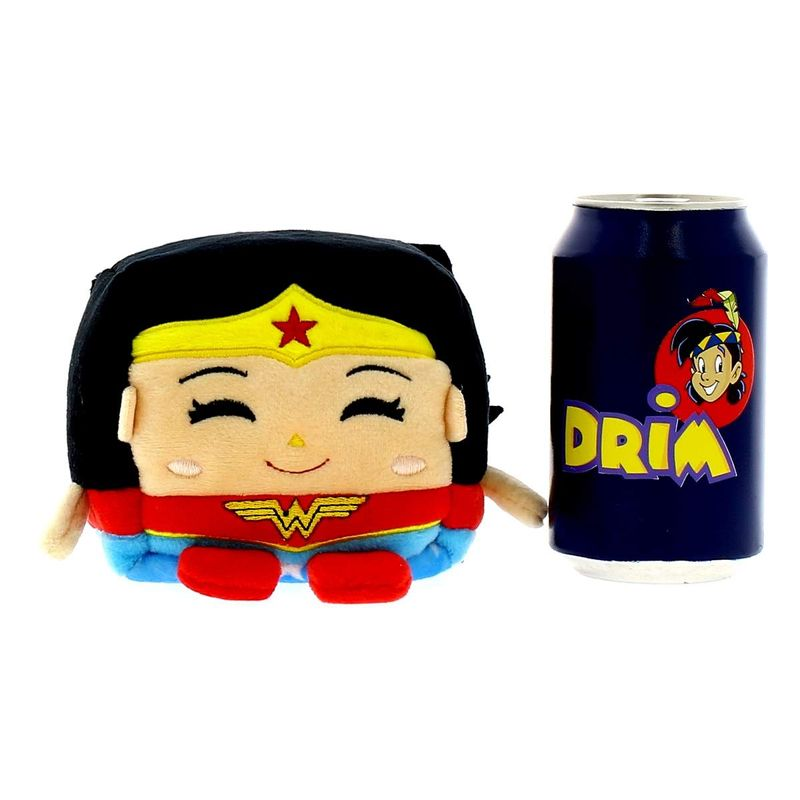 Kawaii-Cubes-DC-Comics-Peluche-Wonder-Woman_1