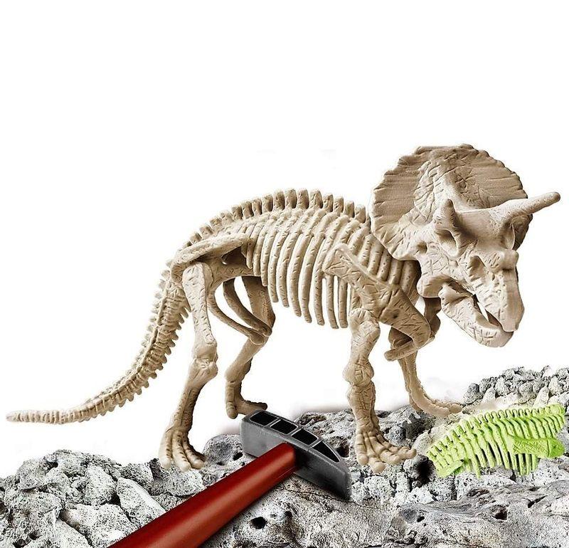 Arqueo-Jugando-Triceratops_1