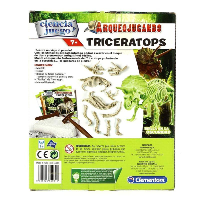 Arqueo-Jugando-Triceratops_2