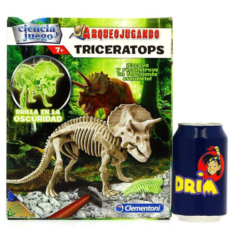 Arqueo-Jugando-Triceratops_3