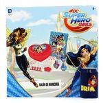 Super-hero-Girls-Salon-de-Belleza-Manicura_5