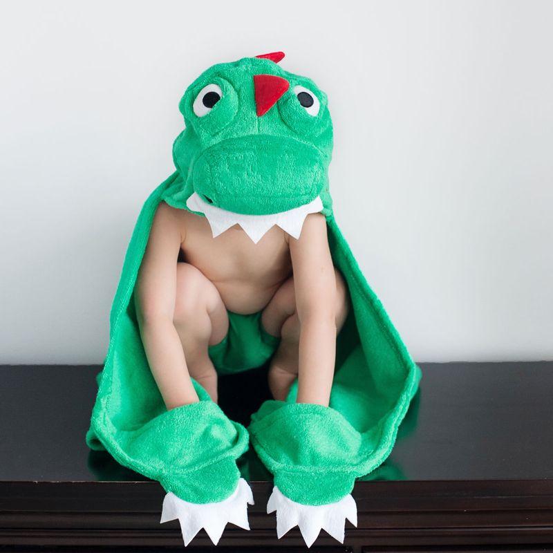 Toalla-niño-con-capucha-Dinosaurio_1