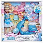 Princesas-Disney-Cenicienta-con-Scooter_2