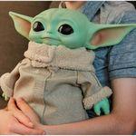 Star-Wars-Mandalorian-Peluche-Baby-Yoda-28-cm_1
