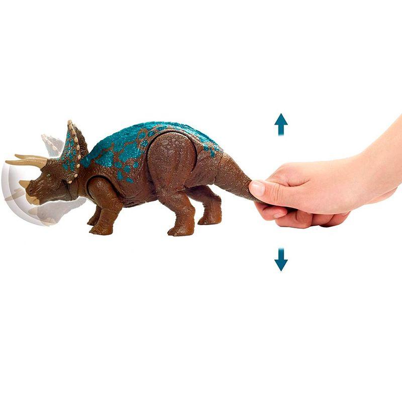 Jurassic-World-Ruge-y-Ataca-Dinosaurio-Triceratops_1
